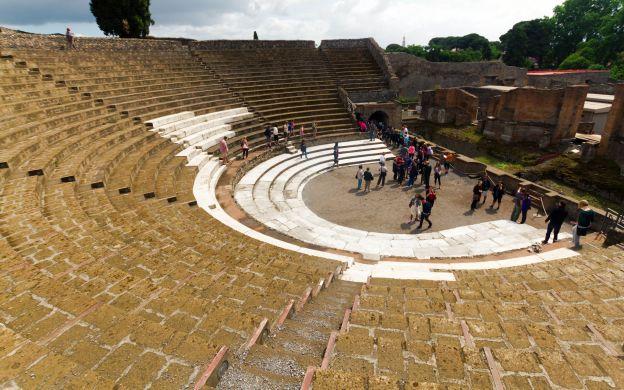 Pompeii and Amalfi Coast Tour – From Rome