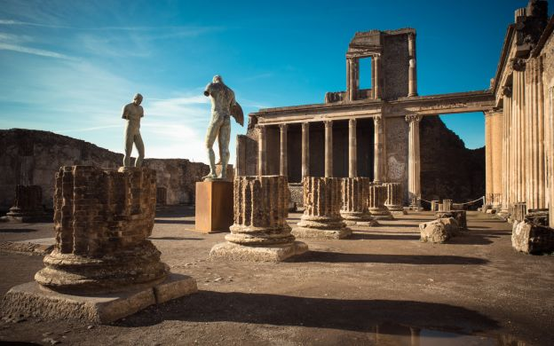Pompeii Comes Alive: A Guided Tour - from Rome