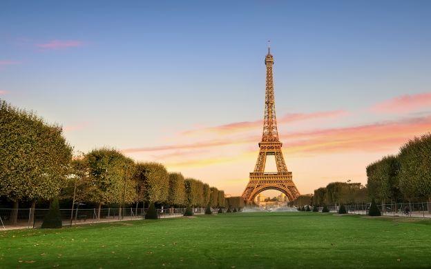 Eiffel Tower: 2nd Floor or Summit Upgrade – With Seine cruise
