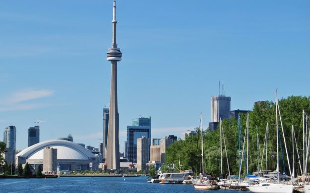 3 Day Niagara Falls and Toronto Tour from New York