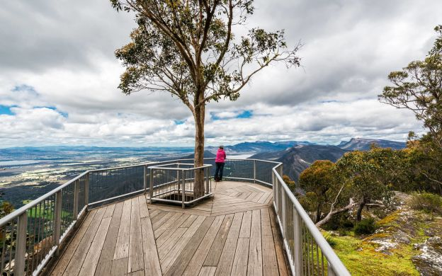 3 Day Melbourne to Adelaide: Great Ocean Road & Grampians Tour with Accommodation