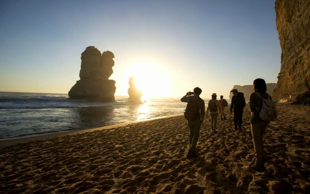 Skip-the-crowds: Reverse Great Ocean Road Tour and Eureka Skydeck Ticket