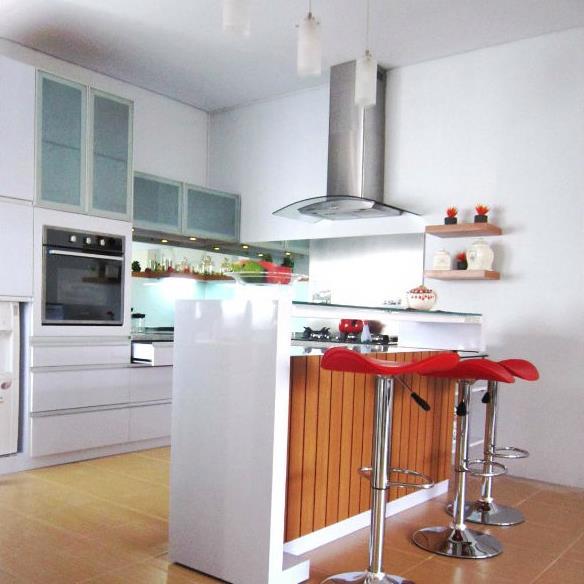 Clean & Simple Kitchen | Niaga Art