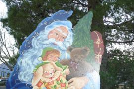 Annual Old World Santas