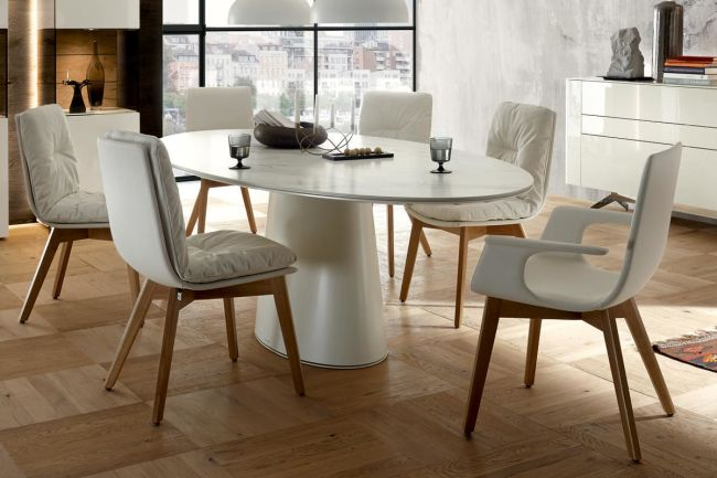 DINING  – Table T 80