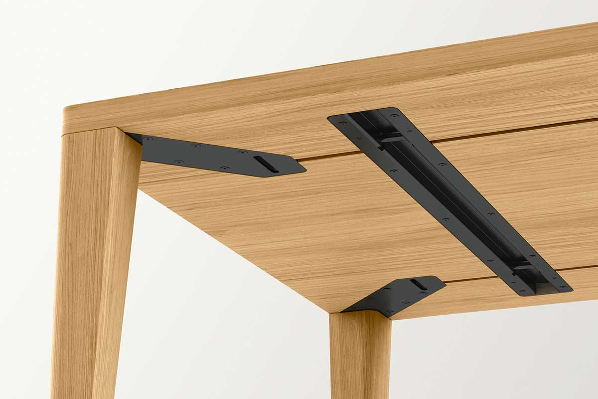 SOLID – 4-leg table