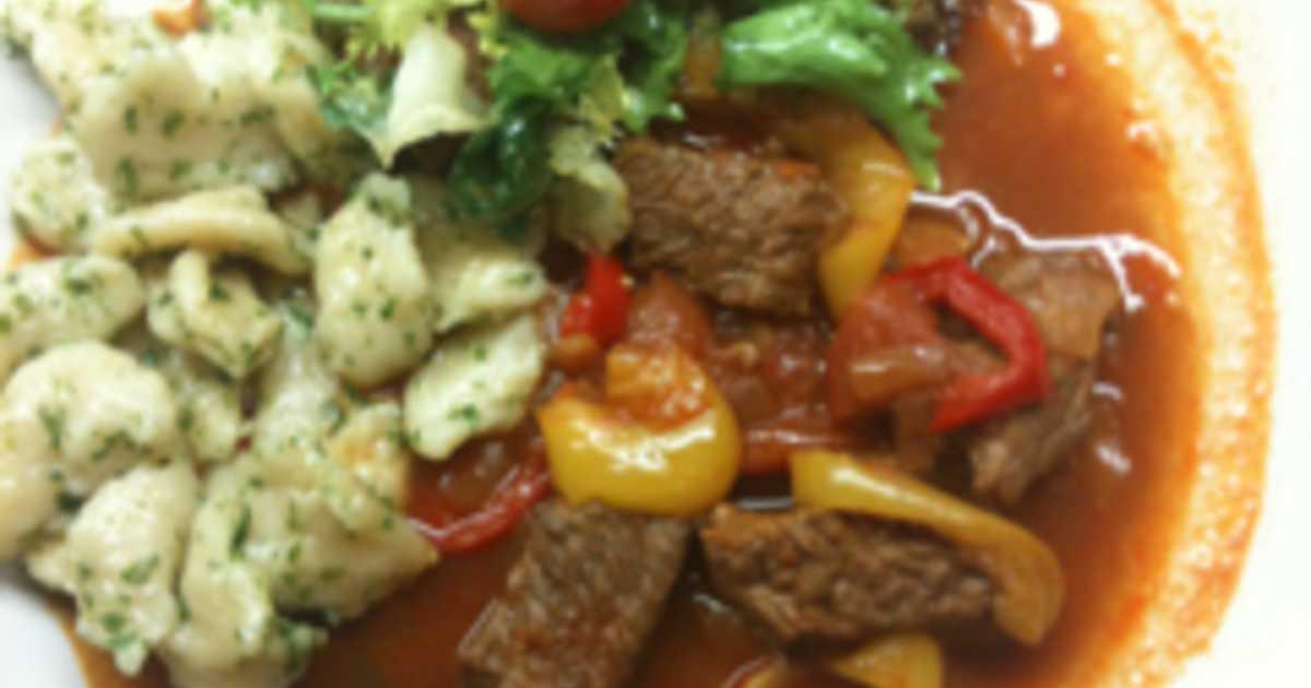 sallad till burgundisk köttgryta