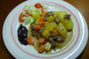 köttgryta med gula kantareller