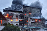Burning building in Meanchey...