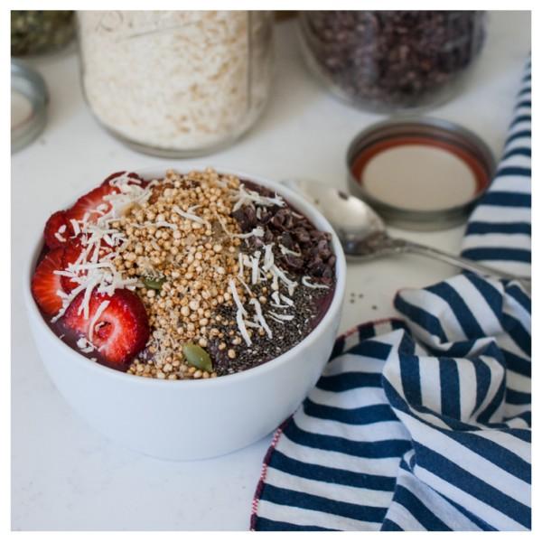 Acai Bowl | Jessica Murnane | HUM Nutrition Blog