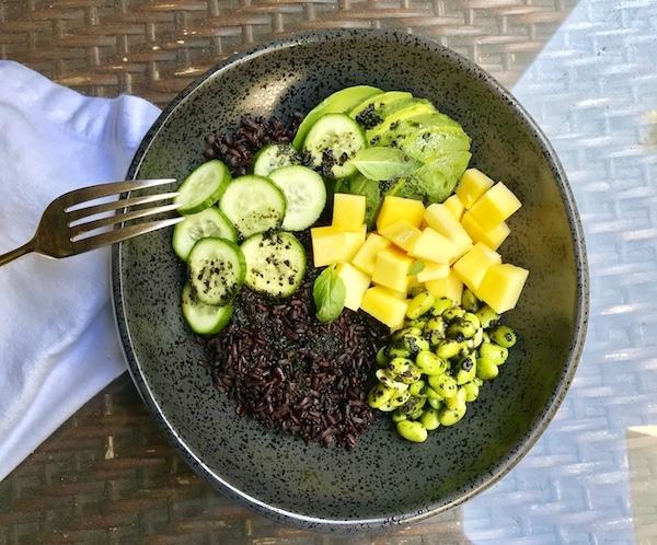 Vegan Bodybuilder - Superfood Bowl - The Wellnest by HUM Nutrition