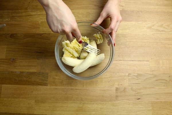 Mashing Bananas for Dry Skin - The Wellnest by HUM Nutrition