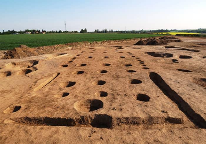 Archeologové objevili 7000 let starou obchodní stanici