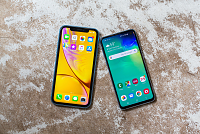 iPhone XR vs. Galaxy S10E: Which...