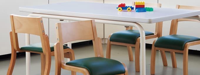 子供椅子と机の高さ寸法