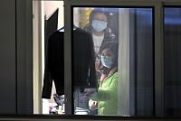 Coronavirus Death Toll Tops 900