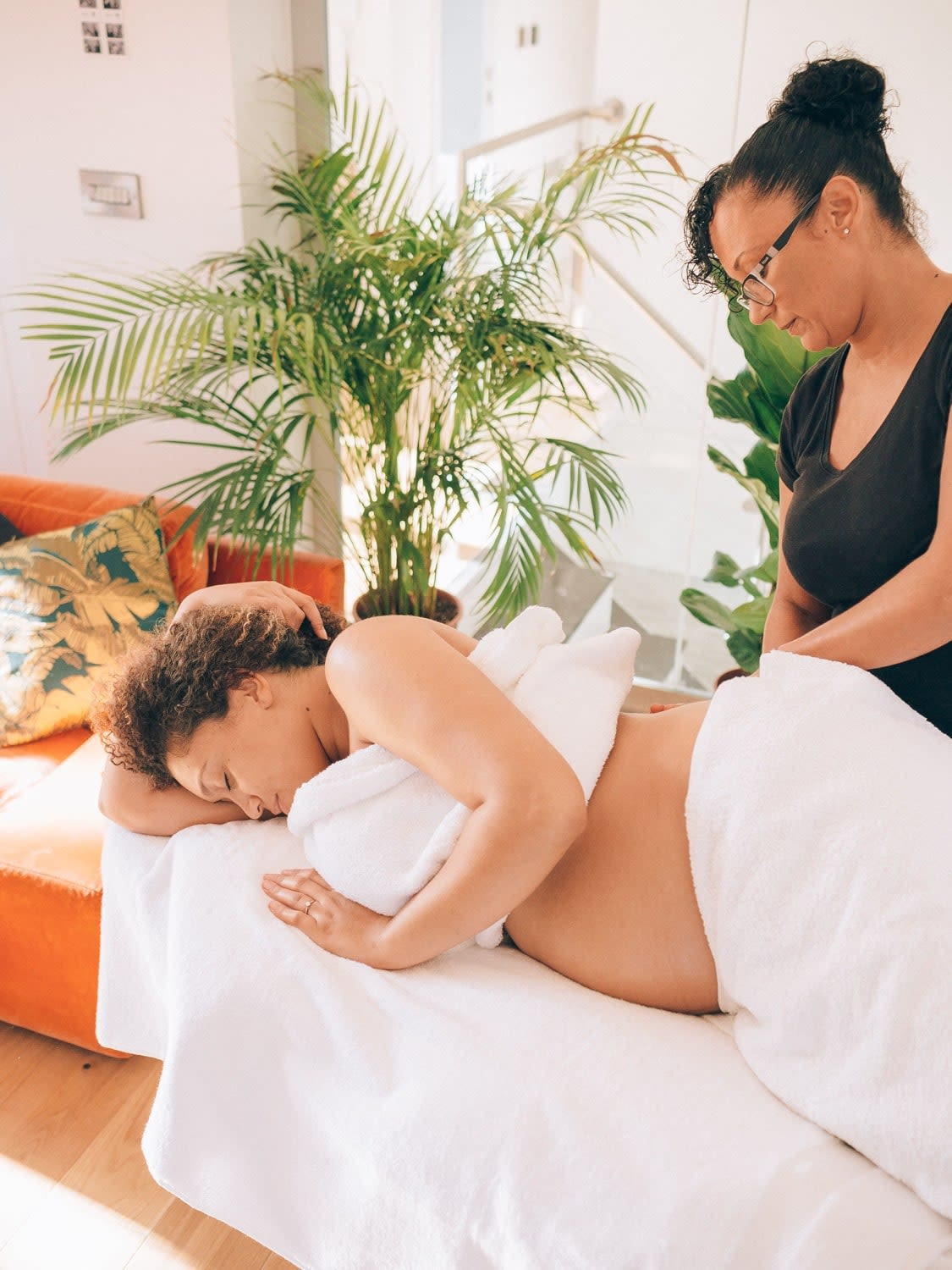 Example of a ,Pregnancy, massage
