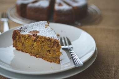 Gâteau moelleux aux carottes et aux noisettes
