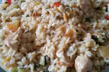Riz au poulet, courgettes et poivrons