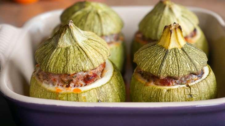 Courgettes farcies au four- recette facile des courgettes farcies ou poivrons farcis - Recette ...