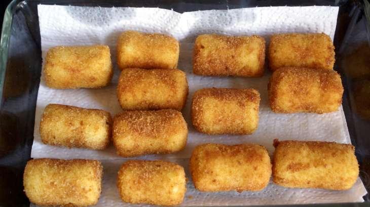 pommes croquettes recette des pommes de terre croquettes pan es l 39 anglaise et frites. Black Bedroom Furniture Sets. Home Design Ideas