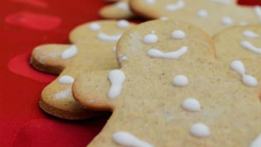 Petits Biscuits Bonhommes De Noel En Pain D Epices Recette Par