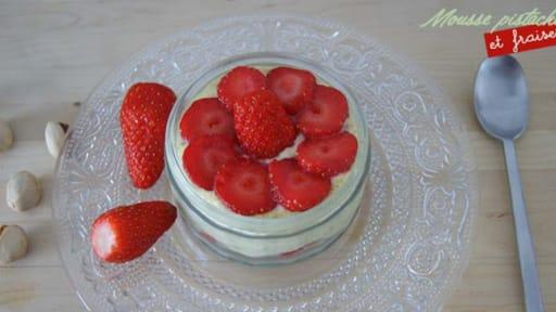 Mousse Mascarpone A La Pistache Et Fraises Recette Par Tchoup Cooking