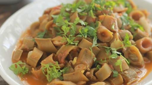 Feves Fraiches En Sauce Tomate Rous Bratel Recette Par Cuisine