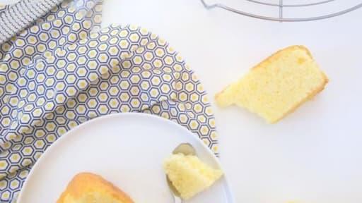 Gateau Au Citron Moelleux Et Rapide Recette Par Les Petits Secrets
