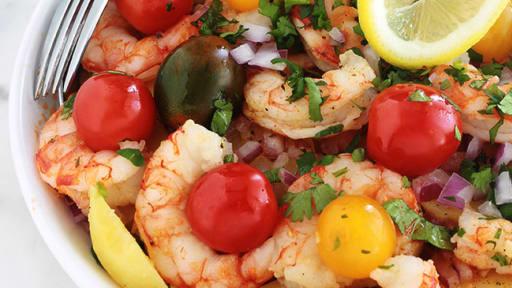 Salade De Pommes De Terre Avec Des Crevettes Et Tomates Facile Et