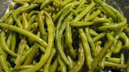 haricots verts po l s l 39 ail et au persil recette par a. Black Bedroom Furniture Sets. Home Design Ideas