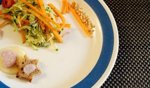 Une salade de courgettes crues
