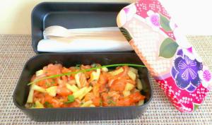 Tartare de saumon cru mariné et ananas en bento