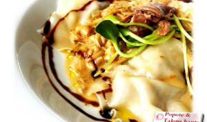 Raviolis au canard confit, fromage en grain et sauce au fond de veau et crème