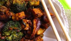 Tempeh, brocoli et shiitakés teriyaki