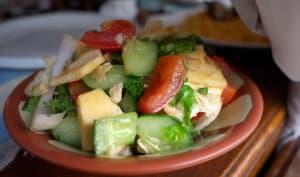 Salade complète, la fattouche aux légumes du soleil et pita