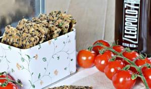 Crackers au sésame noir, thym et fleur de sel