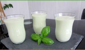 Soupe froide concombre et basilic