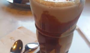 Café glacé au caramel