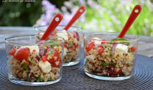 Salade de quinoa et boulgour aux baies de goji, feta, oignon rouge et citron