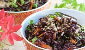 Une salade de riz noir