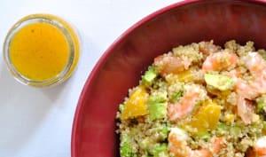 Salade de quinoa aux agrumes, avocat et crevettes