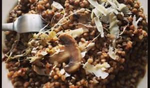 Kasha et champignons de Paris comme un risotto