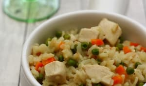 Risotto au poulet, petit-pois et carotte