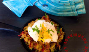 Hash au Corned Beef et Oeuf Poché Corned Beef Hash with Poached Egg