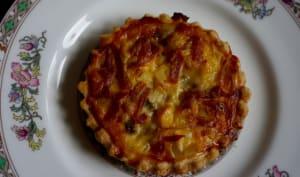 Tarte aux poireaux, roquefort et jambon cru