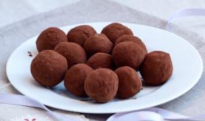 Truffes au chocolat noir, menthe poivrée et citron vert