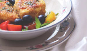 Fromage pané aux amandes et Salade roquette myrtilles