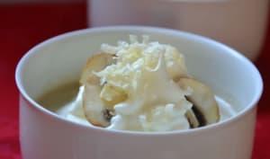 Crème de champignons, espuma à la Tomme de Savoie et ses friselis