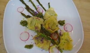 Tortellinis au pesto d'herbes fines et Pitacou citron, asperges vertes
